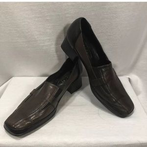 4/$35 Amalfi By Rangoni 7.5 B Shoe Brown Leather